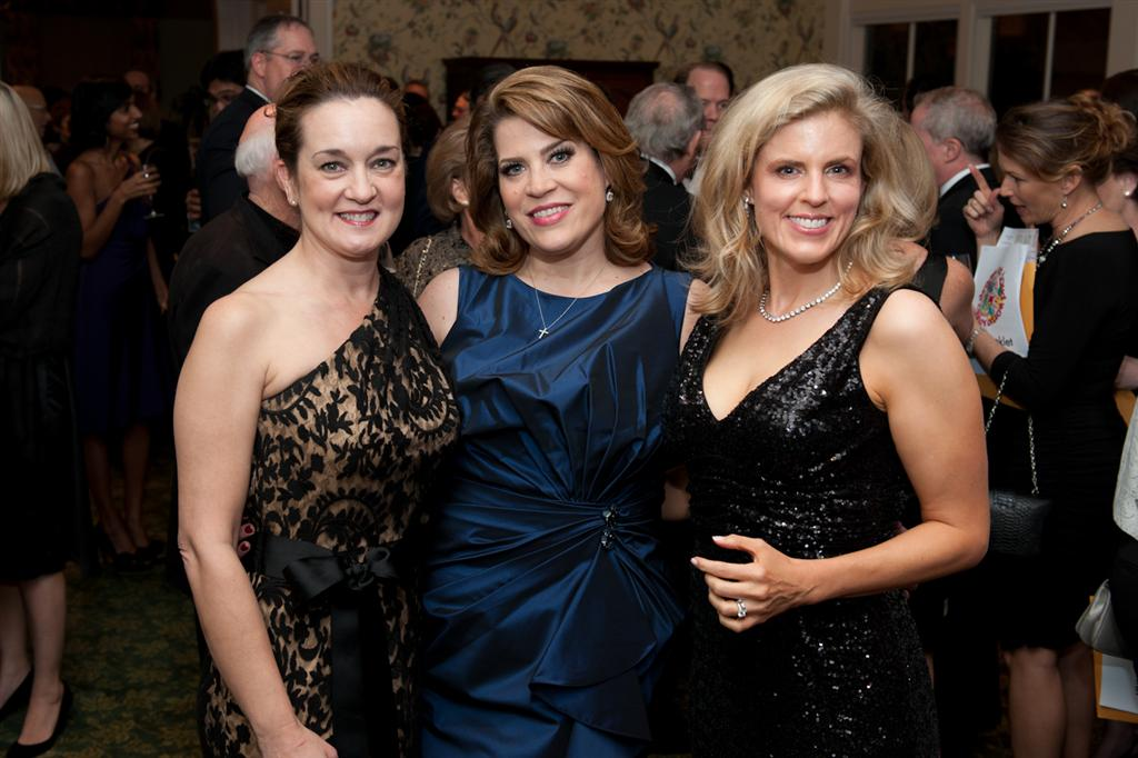 dream out loud underwriting chair toni tate stephanie swingle and auction chair elizabeth schwind India House Gala & TUTS Dream Out Loud
