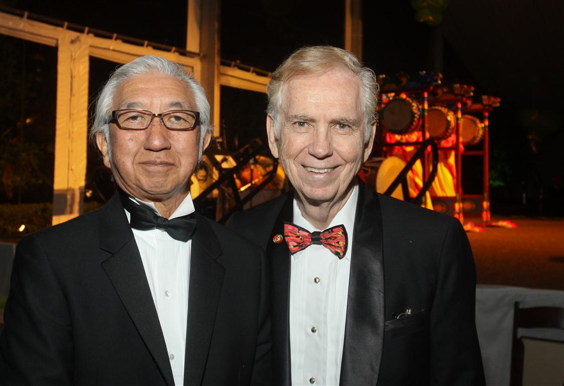 architect yoshio taniguchi and asia society texas center board of trustees chairman charles foster photo by gf Tiger Ball Draws Large Audience Raising $1.4 Million