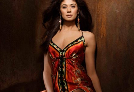 Model/Actress Pooja Batra Talking