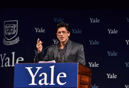 Shah Rukh Khan Does Chammak Challo at Yale University