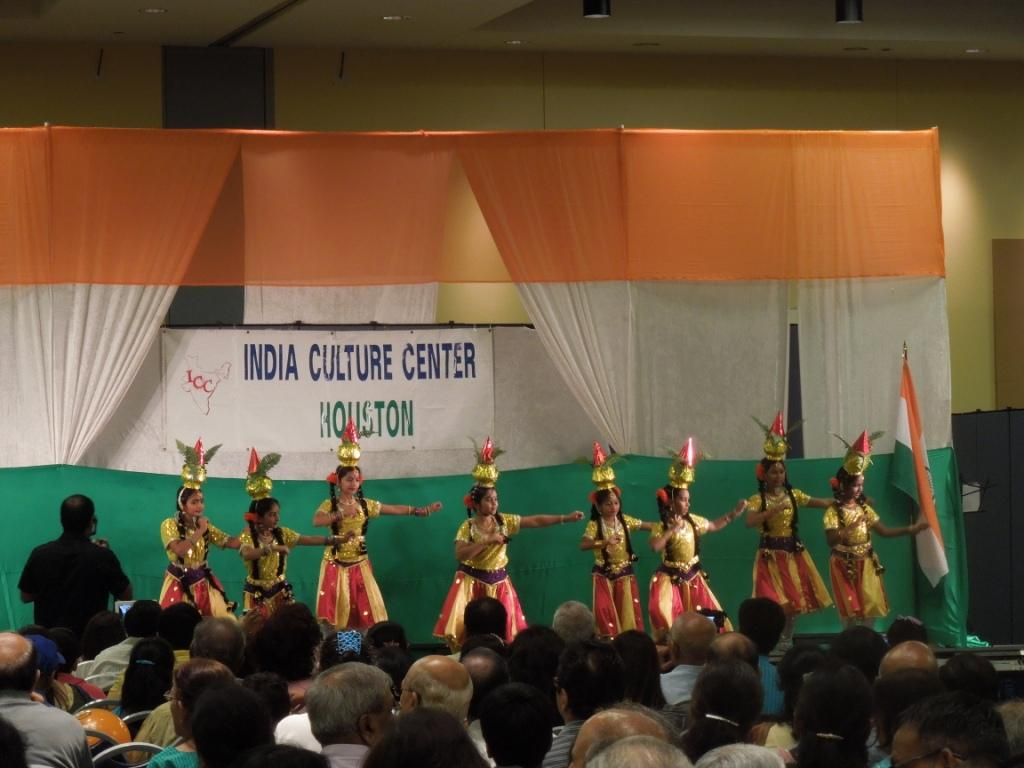 Festival Celebrates Indian Independence with Dancing, Singing, and Food