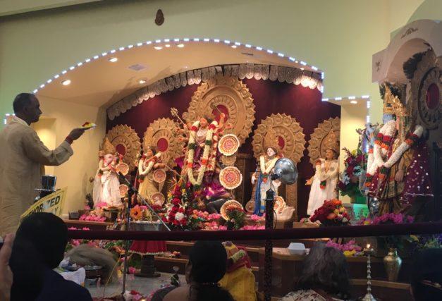 Rain or Shine! Houston's Bengalis Celebrate Durga Puja with Enthusiasm